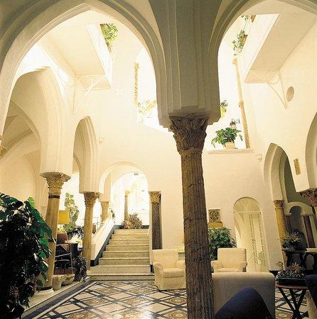Hotel Palumbo Palazzo Confalone: Cortile Moresco XII sec.