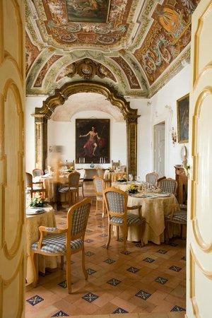 Hotel Palumbo Palazzo Confalone: Sala da pranzo
