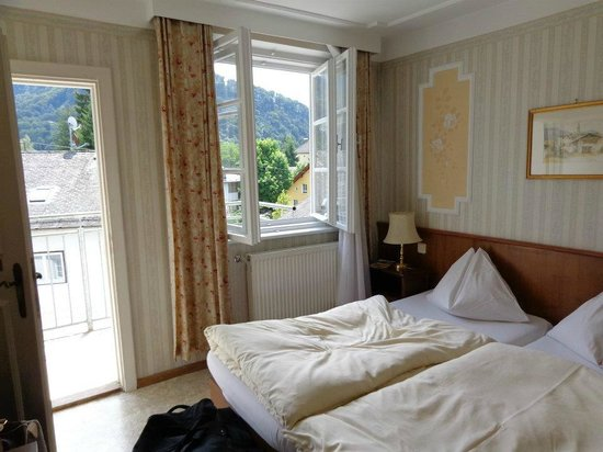 Hotel Turnerwirt: Beautiful windows and view