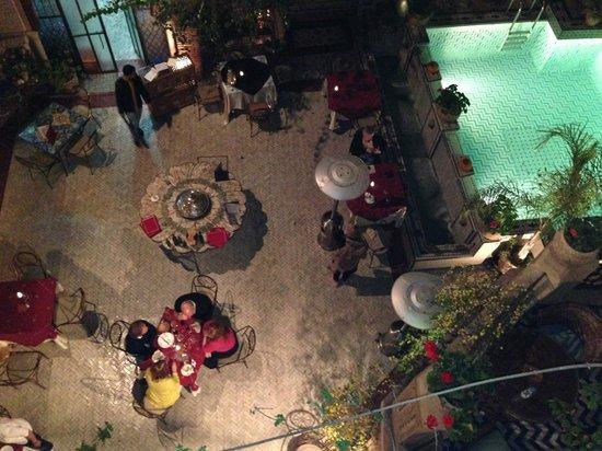 Palais Sebban: tavoli a bordo piscina del ristorante