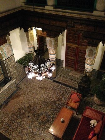 Palais Sebban: la hall