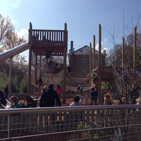 Artis Zoo: Lovely playground for children between 2 and 10 years old