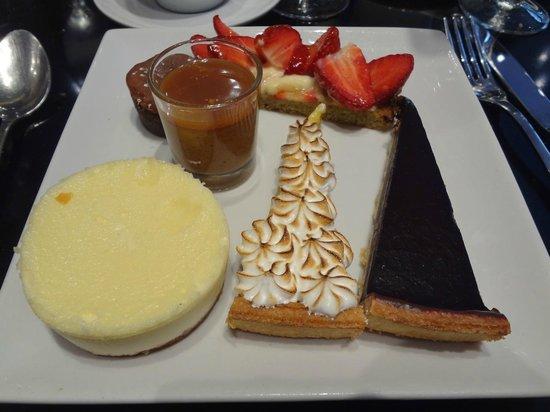 Durand Dupont : Un exemple d'assiette à partir du buffet des desserts