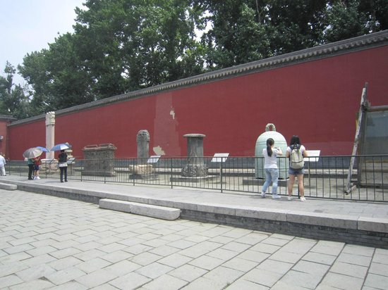 Shenyang Imperial Palace (Gu Gong): 雨ざらしのまま展示?