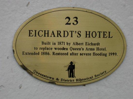 Eichardt's Bar : Eichardt's Hotel - Tapas Rar