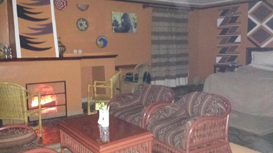 Mountain Gorilla View Lodge: Room #1 . Very large and clean !