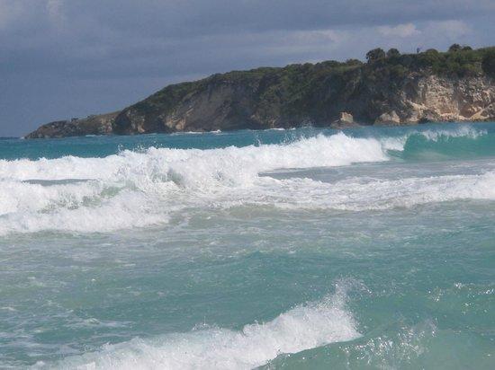 Macao Beach: Море волнуется раз