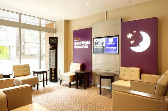 Premier Inn London Tower Bridge Hotel: Reception Lounge Area