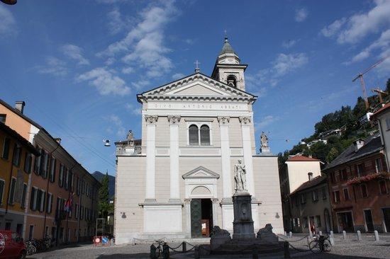 Piazza e Chiesa S. Antonio