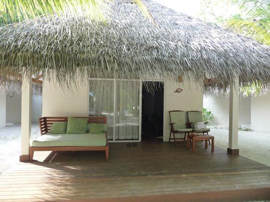 Vakarufalhi Island Resort: notre bungalow