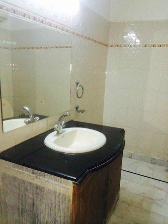 Sonar Haveli: Bathroom