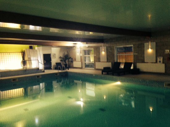 Hallmark Hotel Manchester: new poolside with relaxation