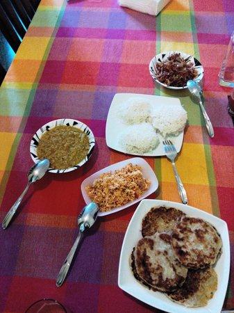 Colombo Haven Bed & Breakfast : lavish breakfast spread