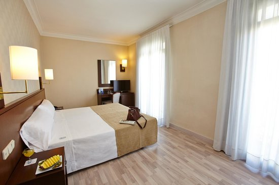 HCC Taber: Guest Room
