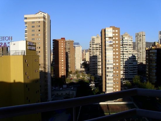 MedPlaya Hotel Rio Park: View of Benidorm from hotel balcony