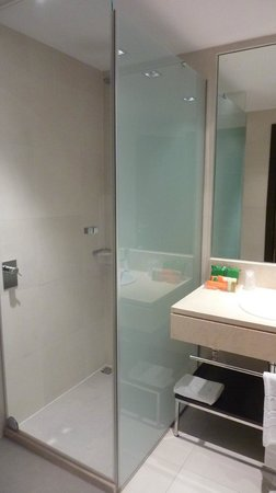 NH Madrid Ribera del Manzanares: junior suite 401