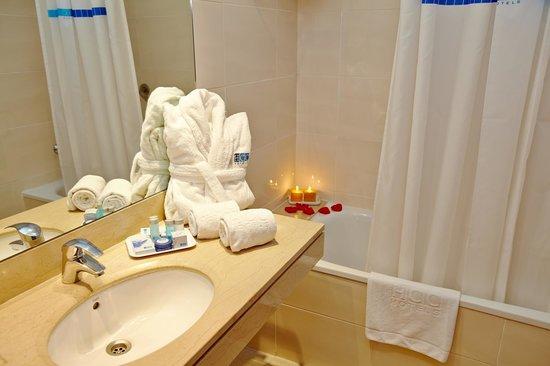 HCC Taber: Bathroom