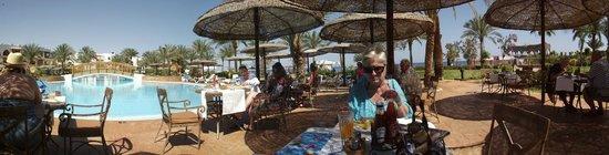 Royal Grand Sharm Hotel: Poolside