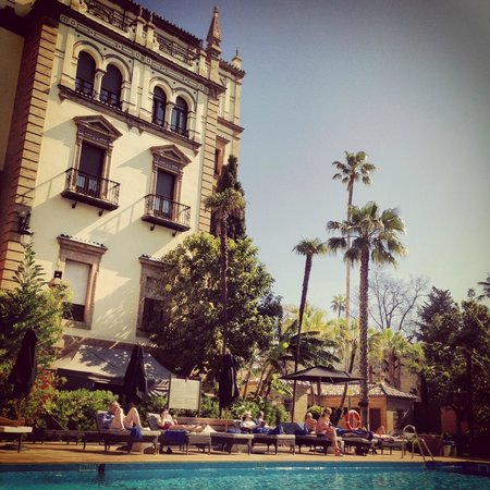 Hotel Alfonso XIII, A Luxury Collection Hotel, Seville: Alfonso XIII - Piscina
