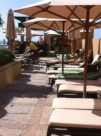 Sofitel Dubai Jumeirah Beach: poolside