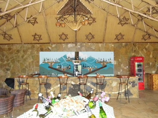 AA Lodge Amboseli : Innenansicht der Bar