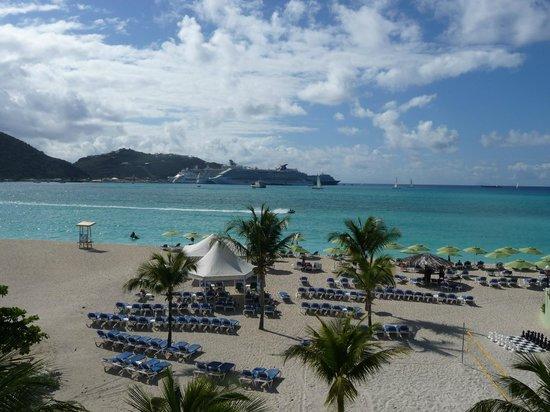 Sonesta Great Bay Beach Resort, Casino & Spa : view fron the sun terrace