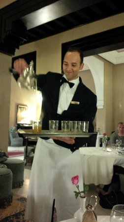 SENTIDO Kenzi Menara Palace: Ali, the best waiter!