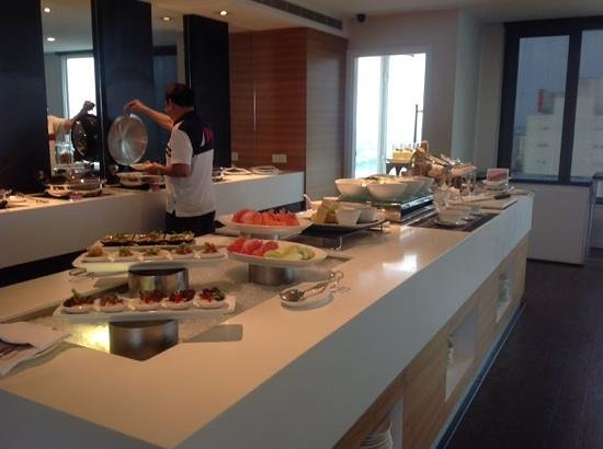 Pullman Kuching : Executive Lounge Hors d'oeuvres!