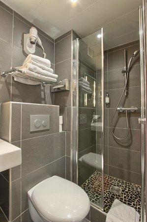 Hotel Villa Margaux Opera Montmartre: salle de douche