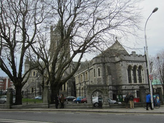 Historical Walking Tours of Dublin : Christchurch Cathedral