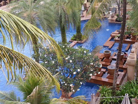 Holiday Inn Resort Phuket: A view of Buskoran wing swimming pool from level-4