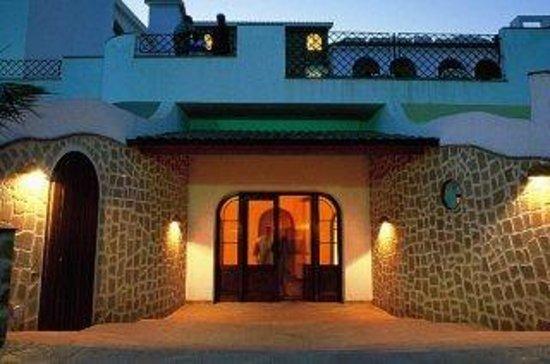 Puntamajata Hotel