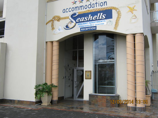 Seashells Luxury Apartments: Entrance