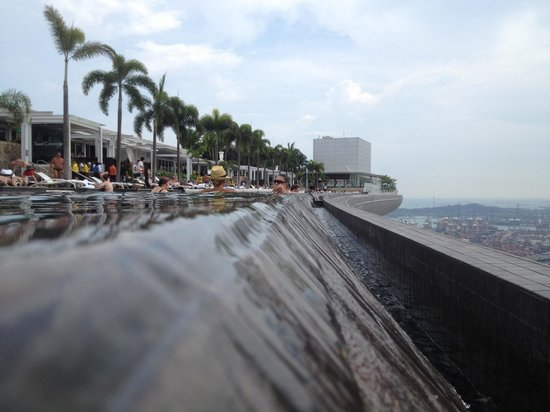 Marina Bay Sands: On the edge