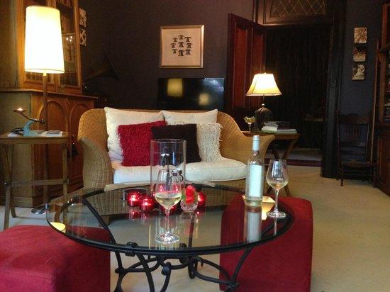 Bishop's Court Estate Boutique Hotel: Library