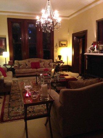 Bishop's Court Estate Boutique Hotel: Loungeroom