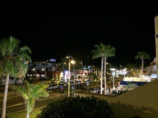 Parque Santiago: Se vi tocca la l'appartamento lato strada...di sera...