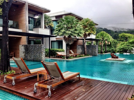 Wyndham Sea Pearl Resort Phuket : Rooms with pool.
