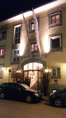 Die Weisse: La facciata d'ingresso