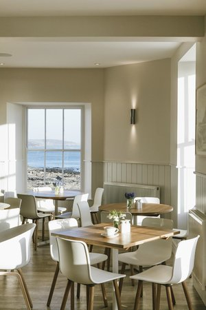 Godolphin Arms: Upper deck dining area