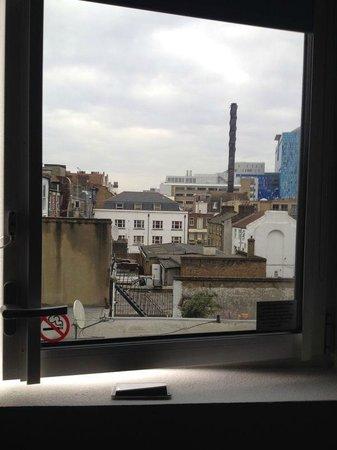 Hotel ibis budget London Whitechapel - Brick Lane : Unsere schöne Aussicht vom Zimmer aus ; D