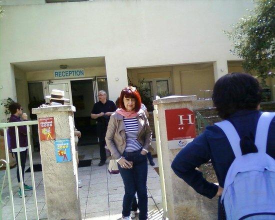 Hotel La Parenthese : entrée de l'hôtel
