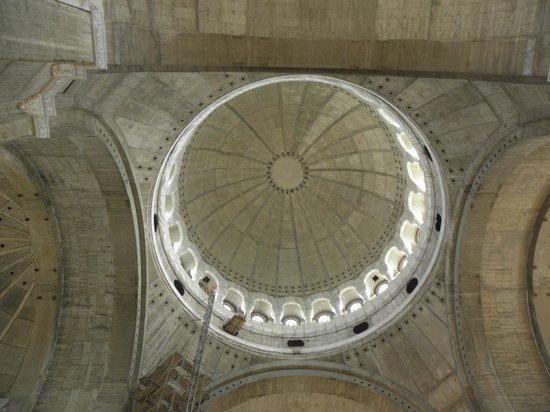 St. Sava Temple (Hram Svetog Save): the St. Sava temple inside