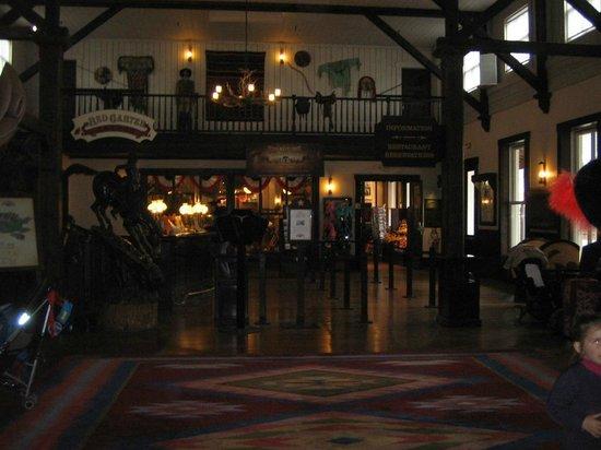 Disney's Hotel Cheyenne : hotel cheyenne