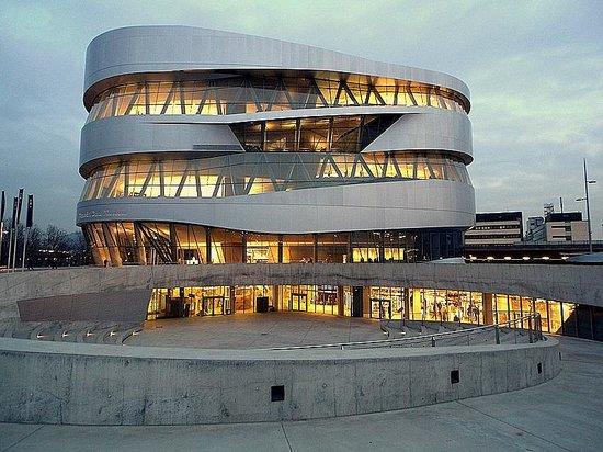 Mercedes-Benz Museum: здание музея