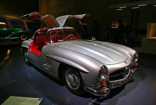 Mercedes-Benz Museum: Mercedes-Benz 300 SL Coupé 1955 г.в.