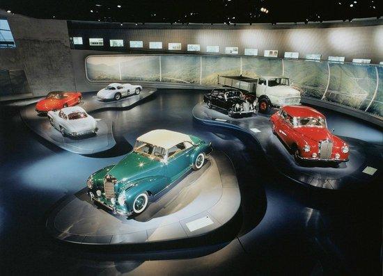 Mercedes-Benz Museum: экспонаты