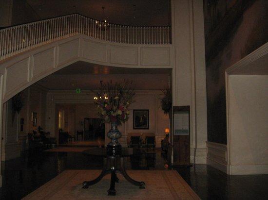 The Sanctuary Hotel at Kiawah Island Golf Resort: Lobby area - very grand