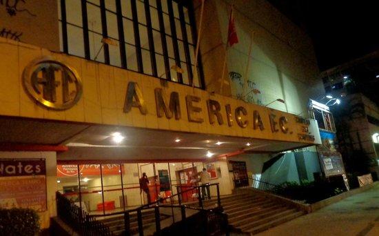 America Theater: frente local