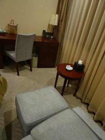 Putuoshan Hotel : 房間一隅